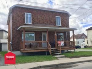 17729001 - Maison à étages à vendre