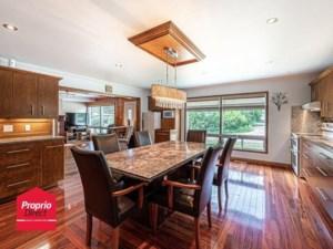 21856795 - Maison à étages à vendre