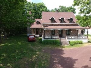 21683295 - Maison à étages à vendre