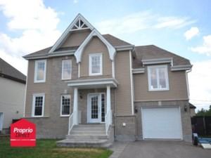 16832281 - Maison à étages à vendre