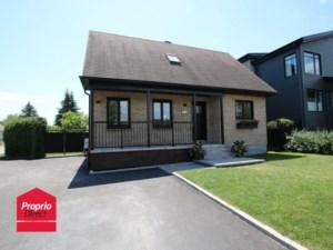 22012050 - Maison à étages à vendre