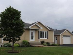 21894067 - Maison à 1 étage et demi à vendre