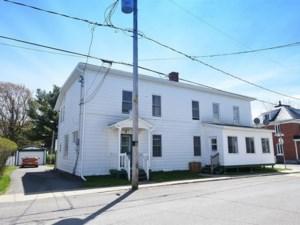 15958395 - Maison à étages à vendre