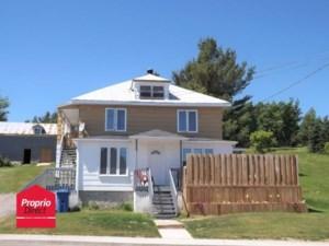 26738318 - Maison à étages à vendre