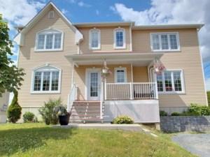 18803284 - Maison à étages à vendre