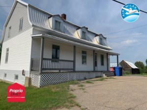 11331021 - Maison à étages à vendre