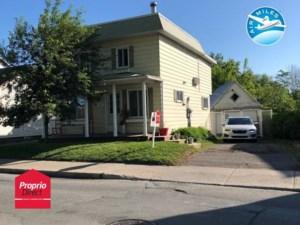 20725255 - Maison à étages à vendre
