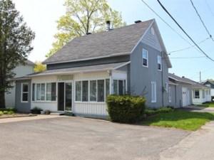 12731585 - Maison à étages à vendre