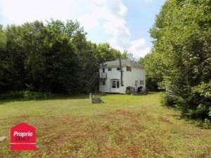 18715306 - Maison à étages à vendre