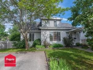 18489743 - Maison à étages à vendre
