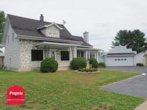 22228149 - Maison à étages à vendre