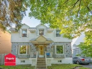 24898363 - Maison à étages à vendre