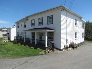 13751215 - Maison à étages à vendre