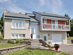 16364411 - Maison à étages à vendre