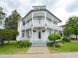 27111393 - Maison à étages à vendre