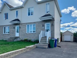 9120650 - Cottage-jumelé à vendre