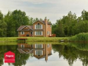 14723930 - Maison à étages à vendre