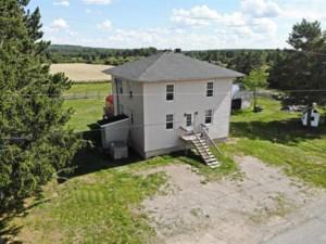 24869109 - Maison à étages à vendre
