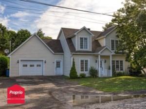 21571428 - Maison à étages à vendre