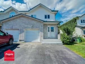 21596898 - Maison à étages à vendre