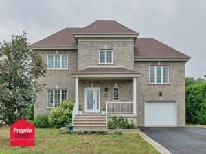 12589647 - Maison à étages à vendre