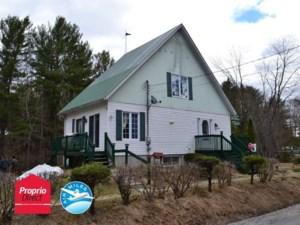 22312024 - Maison à étages à vendre
