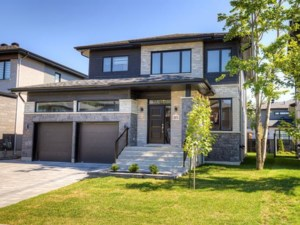 23126234 - Maison à étages à vendre