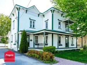 24720572 - Maison à étages à vendre