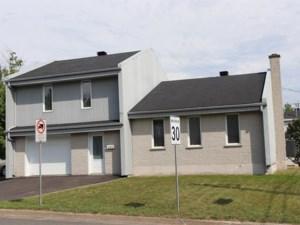 24229922 - Maison à étages à vendre