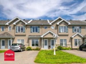9885155 - Maison à étages à vendre