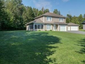 14380715 - Maison à étages à vendre
