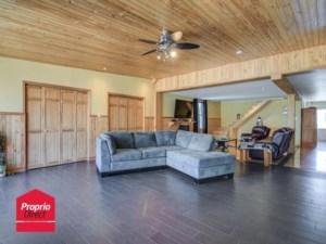 24536161 - Maison à étages à vendre