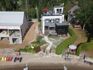 24354690 - Maison à étages à vendre