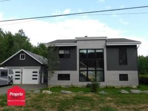 26785472 - Maison à étages à vendre