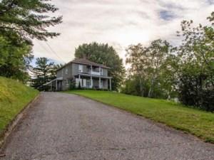 16314679 - Maison à étages à vendre
