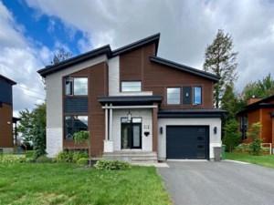 25717785 - Maison à étages à vendre