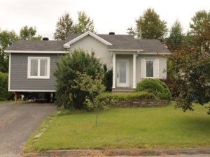 15769744 - Maison à étages à vendre