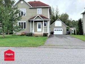 19797494 - Maison à étages à vendre