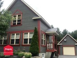 22060004 - Maison à étages à vendre