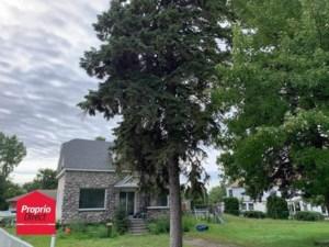 24245182 - Maison à étages à vendre