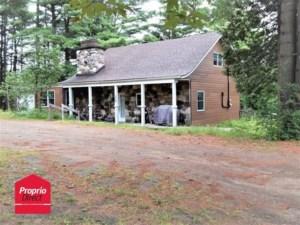18770601 - Maison à 1 étage et demi à vendre