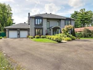 18046175 - Maison à étages à vendre