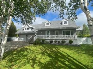 22477947 - Maison à étages à vendre