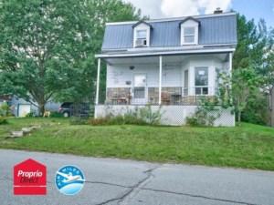 28096922 - Maison à étages à vendre