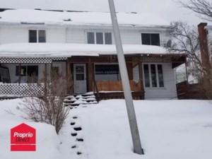 28755378 - Maison à étages à vendre