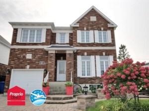 24452977 - Maison à étages à vendre