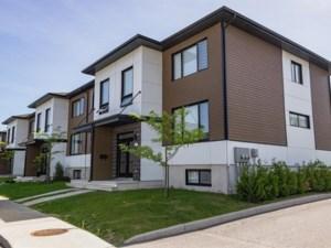 23631114 - Maison à étages à vendre
