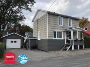 21876694 - Maison à étages à vendre