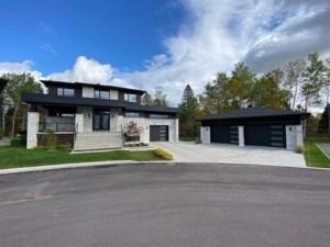 24635518 - Maison à étages à vendre