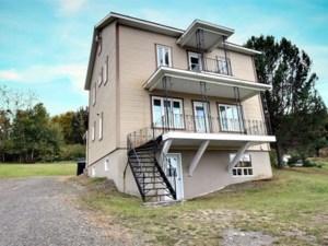 28551286 - Maison à étages à vendre